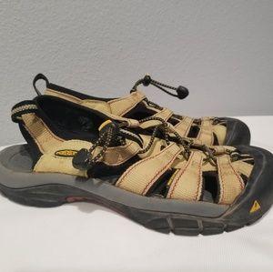 KEEN Sz 9.5 Newport Yellow Sport Hiking Sandals